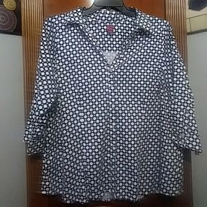 ❤Beautiful Black & White Cotton button up!!